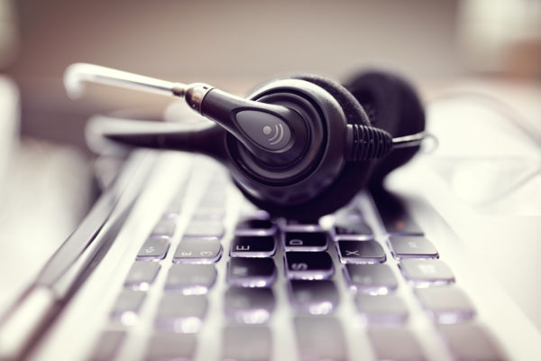 How to Choose Between a Premium and Commodity Answering Service