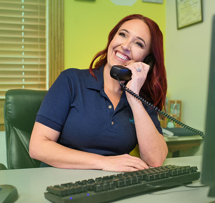 dexcomm agent on phone with customer